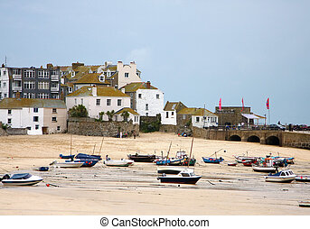 A photography of the dry harbor St Ives in Cornwall