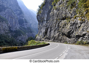A picturesque journey along the roads of Montenegro among rocks and tunnels