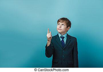 a, pojke, av, tolv, europe, uppträden, in, a, passa, visar,...