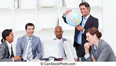 a, réunion, de, a, chanceux, equipe affaires, sur, globalisation