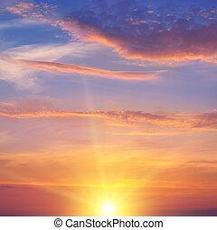 a, raios sol, iluminar, a, céu, acima, a, horizonte