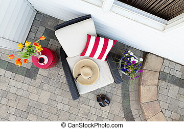 A relaxing tea break in a deep seating patio set