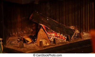 A small fireplace that slowly goes out. Evening in the jazz...
