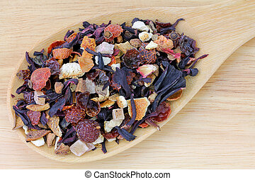 A spoon of dried Fruit tea