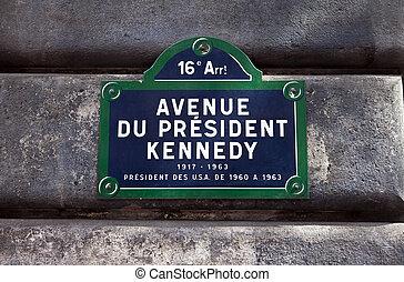Avenue du President Kennedy in Paris