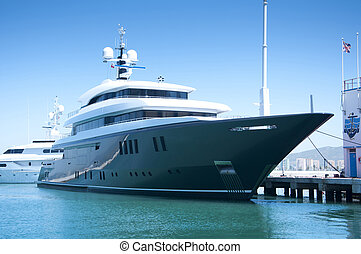 a, super, yacht, berthed, dans, gibraltar