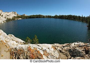 a, tó, alatt, hegyek