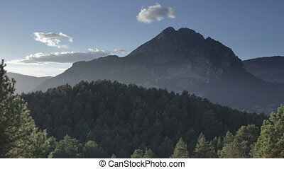 a, timelapse, de, les, beau, pedra, forca, paysage montagne, catalunya, espagne