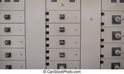 a, transformateur, boîte, à, a, branché, sistomy, une, électrique, bouclier, cela, donne, électricité, à, les, maison, production, sites, ou, puissance, stations