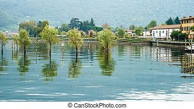 A view of Lake Iseo at Sarnico