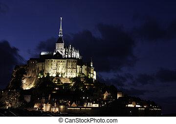 mont saint michel - a view of the mont saint michel