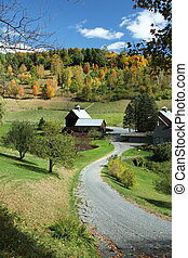 A winding country road leading to Sleepy Hollow Farm in Vermont.