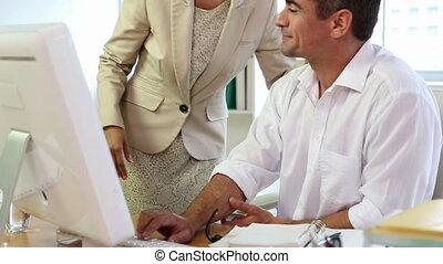 aan het werk aaneen, handel team