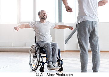 aandachtig, gehandicapte man, opleiding, in de gymnastiek,...