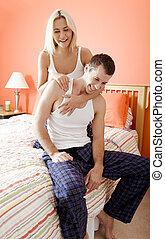 aanhankelijk, paar, lachen, slaapkamer