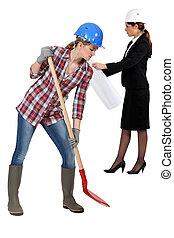 aannemer, vrouwlijk, spade