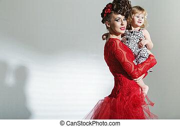 aantrekkelijk, jonge, moeder, met, weinig; niet zo(veel), dochter