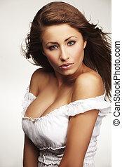 aantrekkelijk, jonge vrouw , relaxen, op wit, achtergrond