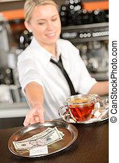 aantrekkelijk, waitress, boeiend, fooi, in, bar, usd