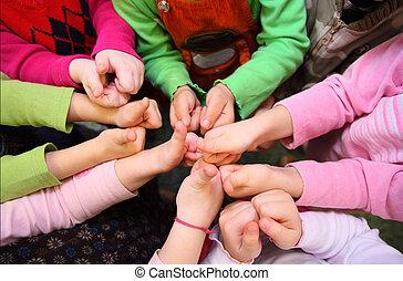 aanzicht, kinderen, ok, meldingsbord, bovenzijde, tonen, handen