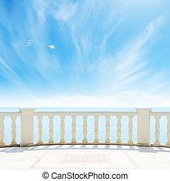 aanzicht, om te, de, zee, van, een, balkon, onder, bewolkte...
