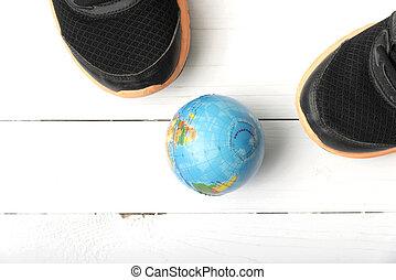 aarde, rennende , bal, schoentjes