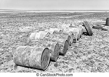 abandonated, biohazard, fogalom, konzervál, olaj