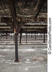 abandonded, yard barre
