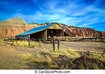 Abandoned farmer's hut in the arid desert of Arizona USA