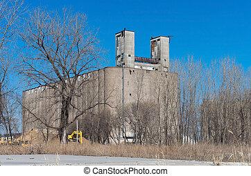 Abandoned Grain Elevator in Minneapolis