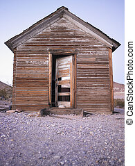 Abandoned House in Desert with Open Door - Abandoned house ...