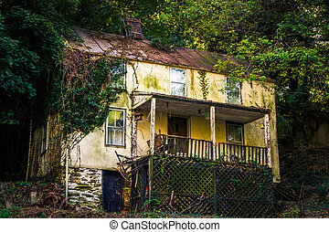 Abandoned house in Harper's Ferry , West Virginia.