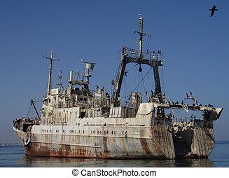 Abandoned ship - Abandoned Russian ship in Walvis Bay, ...