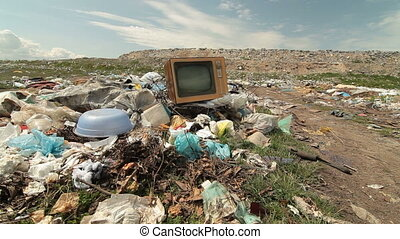 Vintage TV On The Landfill - Abandoned Vintage TV On The...