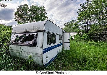 abandonnés, caravane