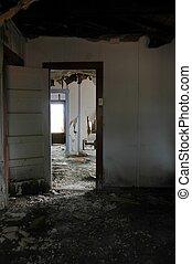 abandonnés, interior.