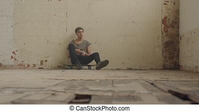 abandonnés, mode, homme, entrepôt, jeune