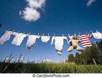 abbigliamento bimbo, clothesline