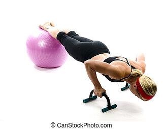 abbildung, von, schieben, ups, auf, fitness, kern, training, kugel, mit, hochdrücken, stäbe, per, attraktive, mittleres alter, tauglichkeitsausbilder, lehrer, frau, trainieren, und, dehnen