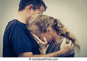 abbracciare, donna, lei, marito, triste