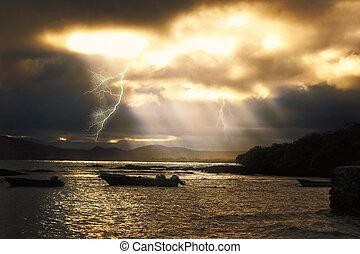 Abendliches Gewitter auf Galapagos - Abendliches Gewitter...