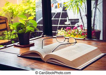 abertos, antigas, livro, com, óculos, madeira, tabela, em, café