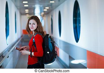abordar avión, mujer, joven