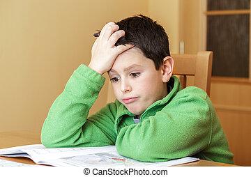 aborrecido, e, cansadas, menino, fazendo, dever casa