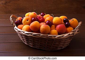 abricots, cerises