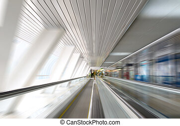 Abstract motion in corridor with es