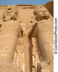 Abu Simbel temple, Pharaoh statues - Temple of Abu Simbel in...