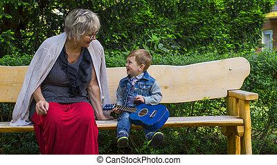 abuela, canto, nieto, juntos