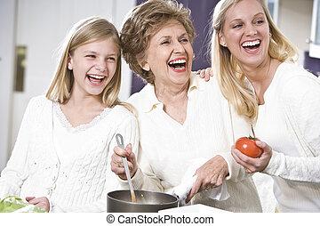 abuela, con, familia , reír, en, cocina