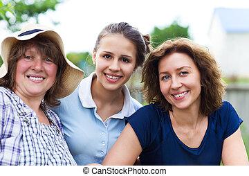 abuela, con, hija, y, nieta